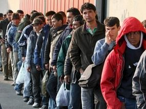 immigrant queue
